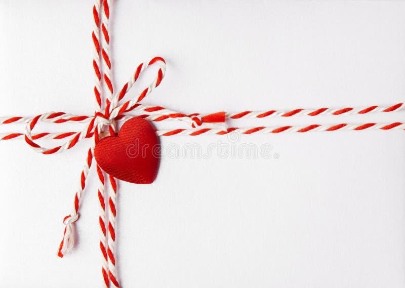 Cuore rosso Valentine Day Background, carta dell'invito di nozze immagine stock