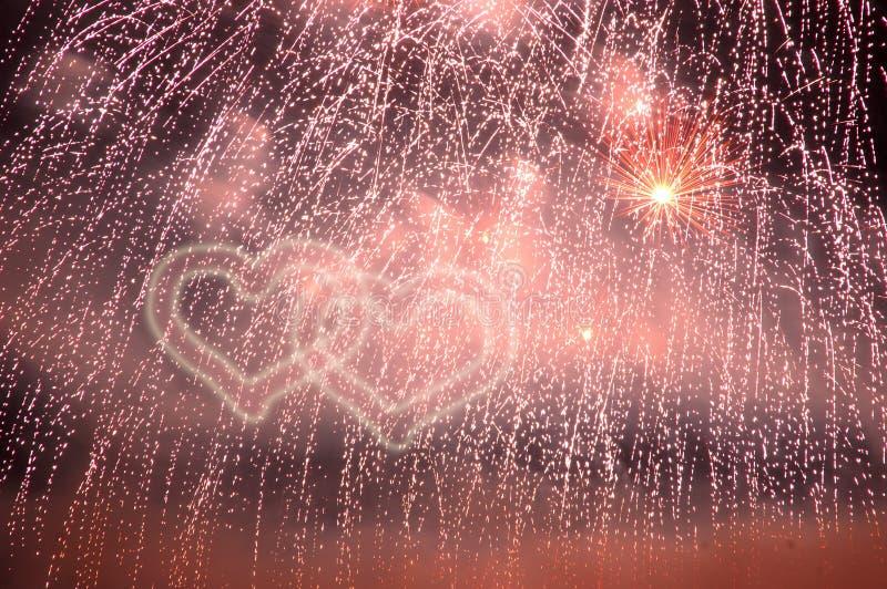 Cuori dei fuochi d'artificio immagine stock