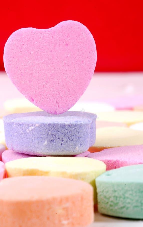 Cuori della caramella del biglietto di S. Valentino (aggiunga il vostro messaggio) fotografia stock libera da diritti