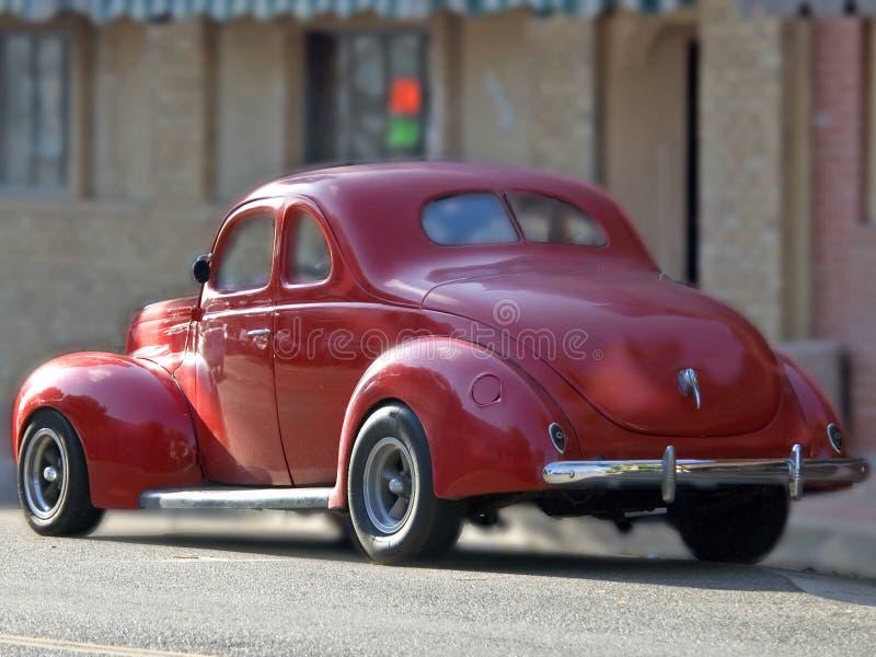 Download Cupé vermelho clássico imagem de stock. Imagem de coupe - 104801