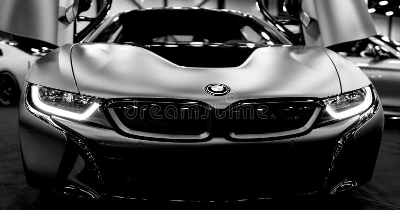 Cupê bonde híbrido luxuoso de BMW i8 Carro desportivo híbrido de encaixe Veículo elétrico do conceito Rebecca 36 Detalhes do exte foto de stock