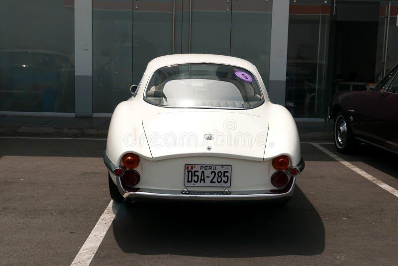Cupê de Romeo Giulietta Sprint Speciale do alfa em Lima fotos de stock royalty free