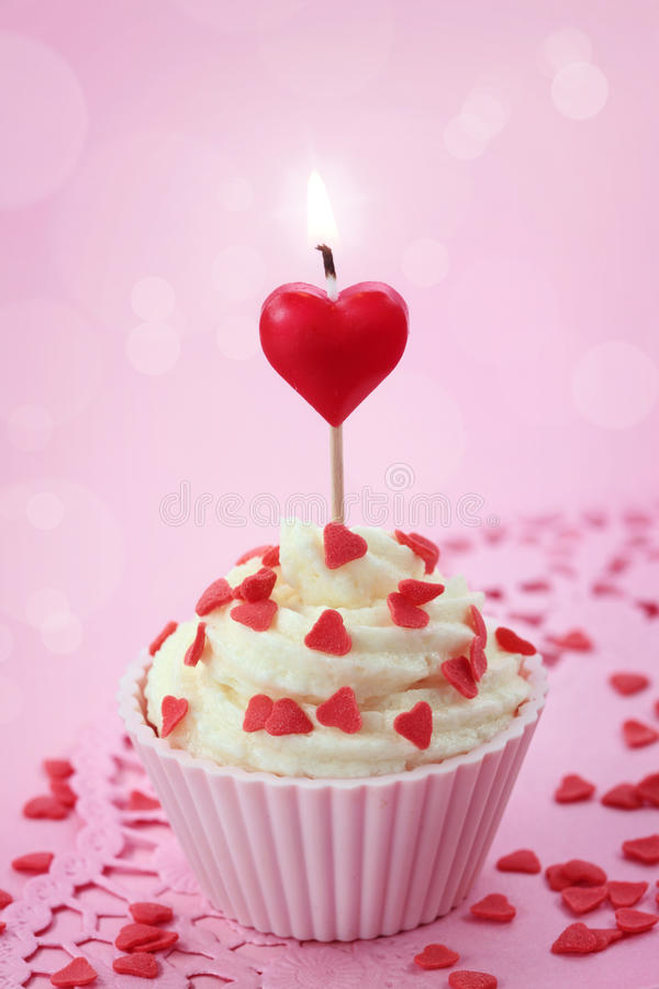 Free Cup Cake With Heart Candle Royalty Free Stock Images - 23268799