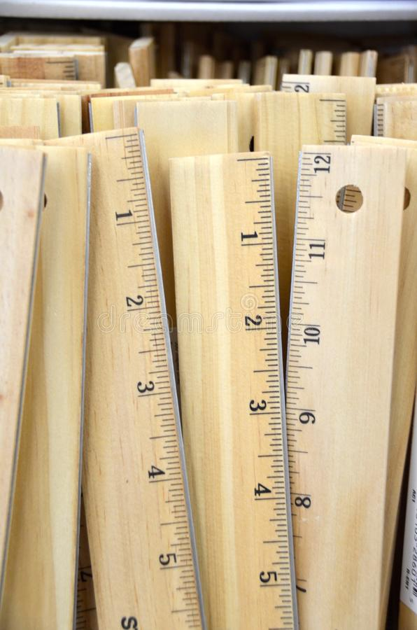 cup rulers wooden 免版税库存照片