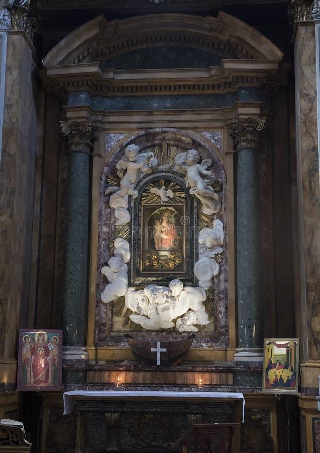 Cupa för Cappella dellaMadonna della altare av Zenobio del Rosso i 1762 fotografering för bildbyråer
