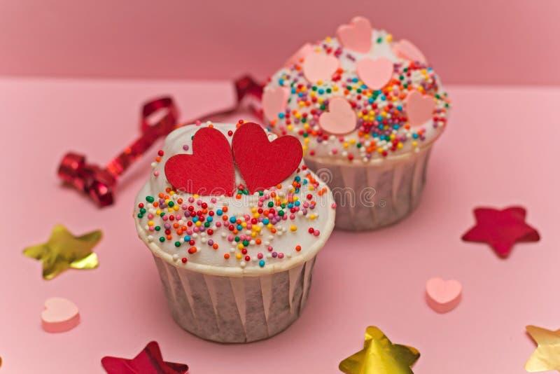 Cupcake en confettien royalty-vrije stock foto's