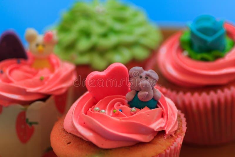 Cupcake met slagroom stock fotografie