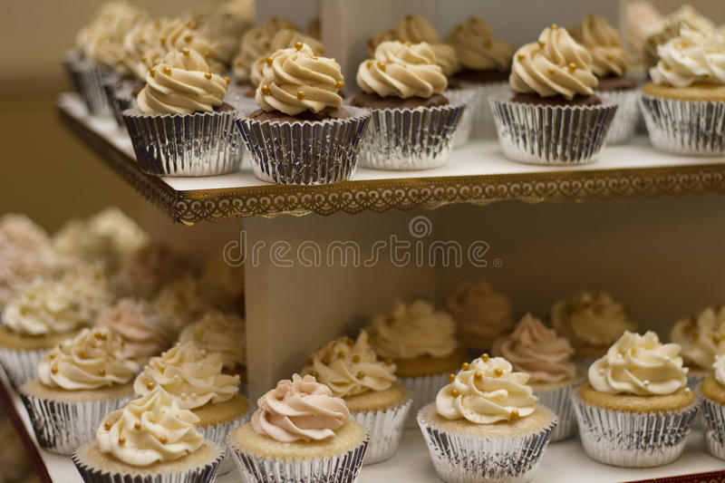 Cupcake With White Frostings Free Public Domain Cc0 Image
