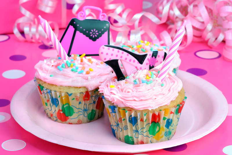 cupcakes έφηβος συμβαλλόμενων μερών στοκ εικόνες με δικαίωμα ελεύθερης χρήσης