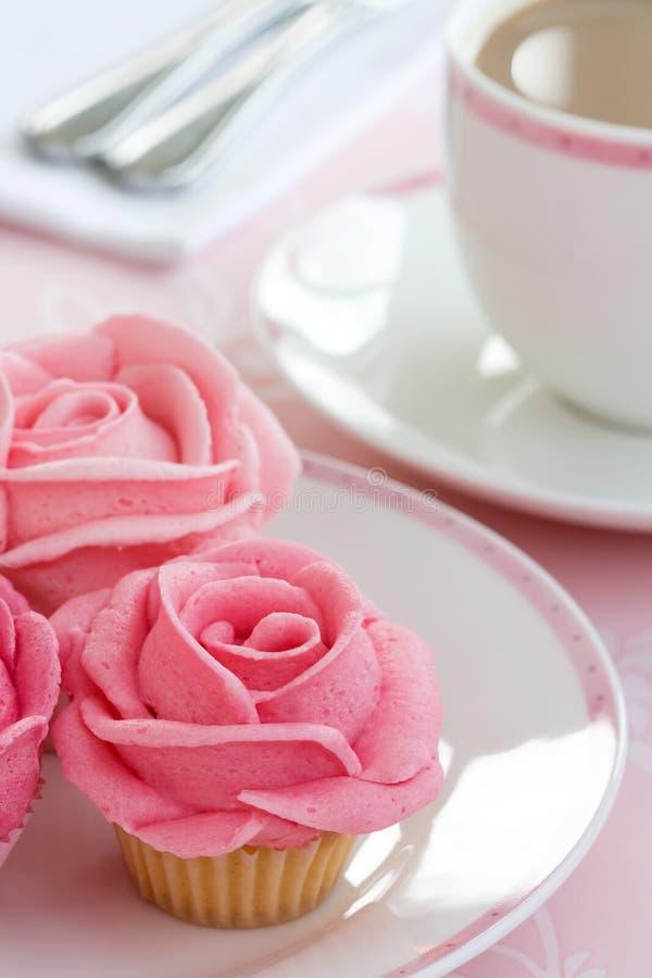 cupcakes αυξήθηκε στοκ φωτογραφία με δικαίωμα ελεύθερης χρήσης