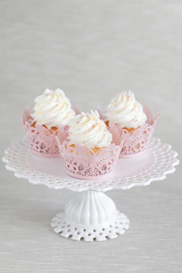 Cupcakes stock afbeelding afbeelding bestaande uit for Decoratie cupcakes