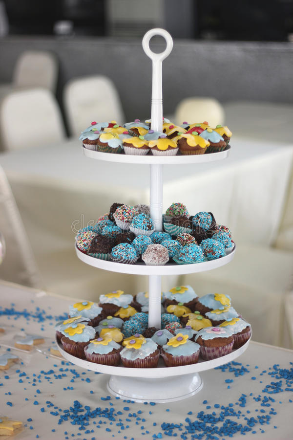 Cupcakes met decoratie stock foto's
