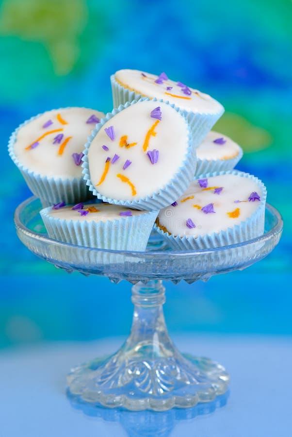 Cupcakes op Glas Comport royalty-vrije stock afbeelding