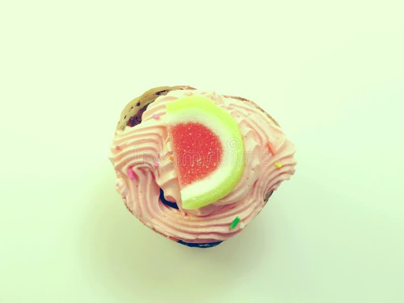 Cupcakes op wit achtergrond gefiltreerd beeld verwerkt uitstekend effect stock foto's