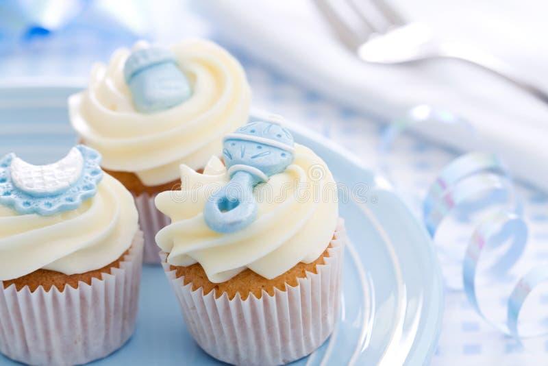 Cupcakes voor een babydouche stock afbeeldingen