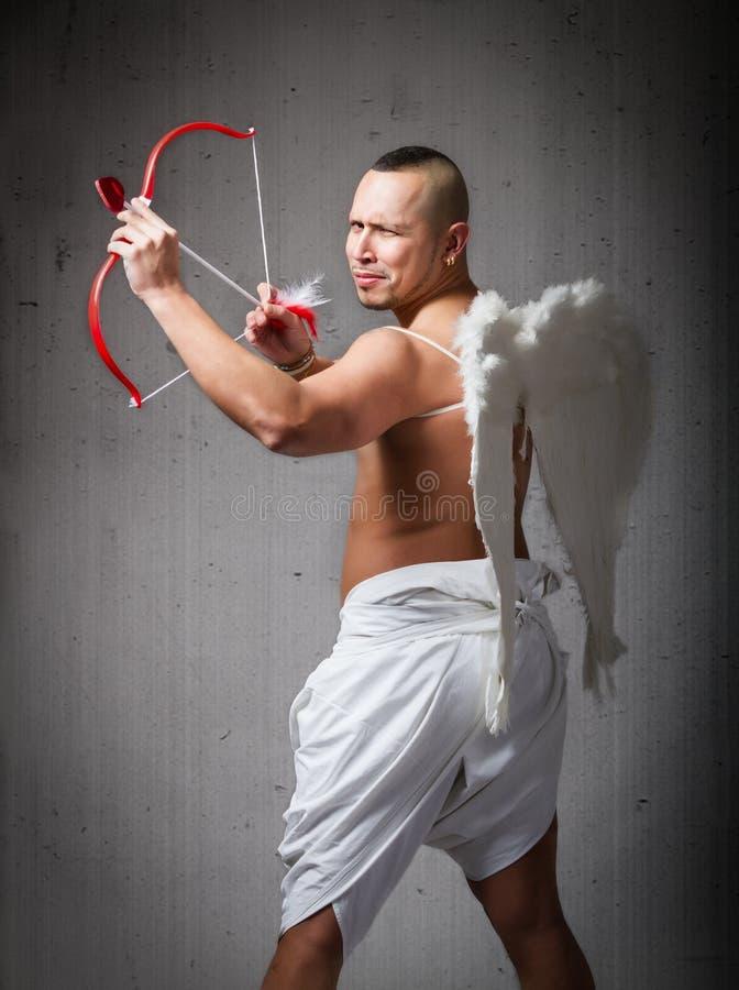 Cupido del ángel listo para el día de tarjeta del día de San Valentín fotos de archivo