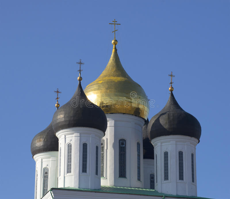 Cupola della cattedrale della trinità Pskov fotografia stock libera da diritti