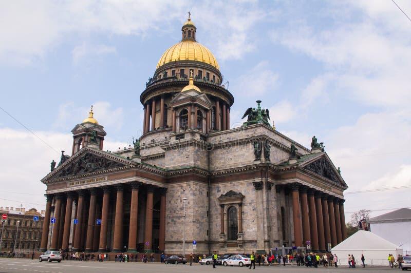 Cupola della chiesa della cattedrale di Isaacs del san a St Petersburg, Russia fotografie stock