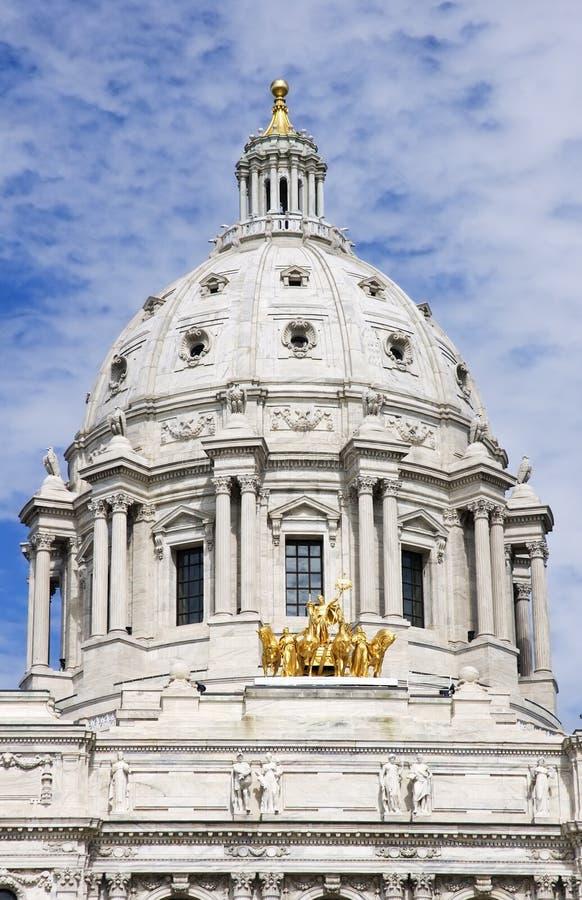Cupola di Campidoglio della condizione del Minnesota e manganese della st Paul dei cavalli fotografia stock
