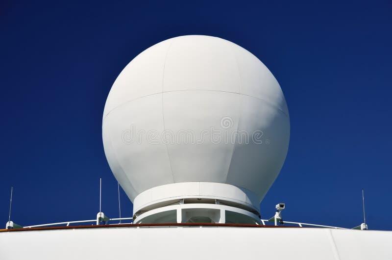 Cupola di radar delle navi immagini stock