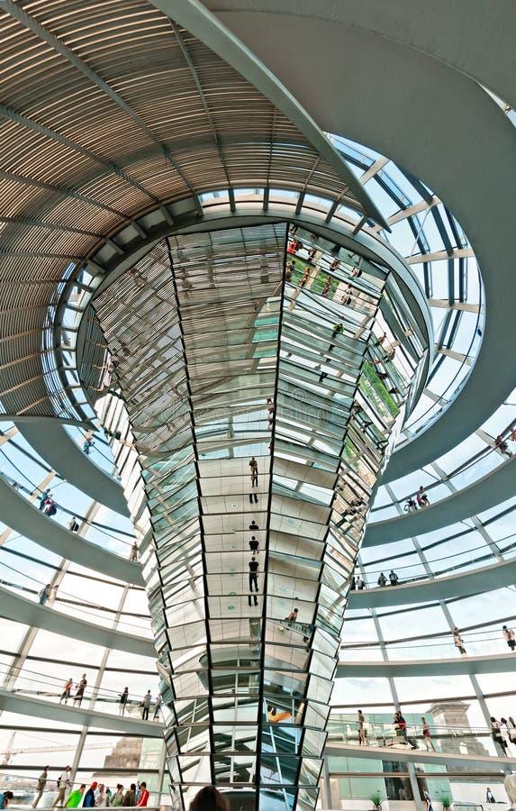Cupola di Reichstag a Berlino, Germania fotografia stock