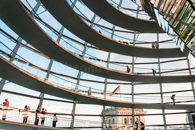 Cupola di Reichstag a Berlino, Germania fotografia stock libera da diritti