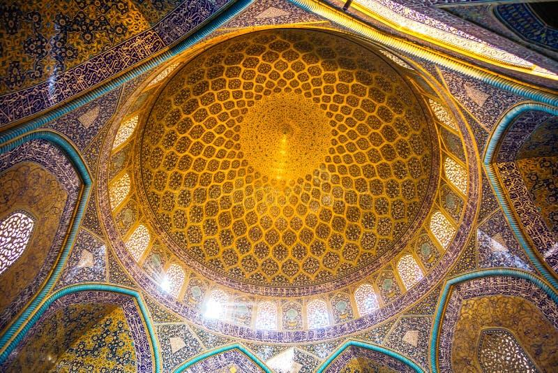 Cupola di Sheikh Lotfollah Mosque Ispahan - nell'Iran fotografia stock