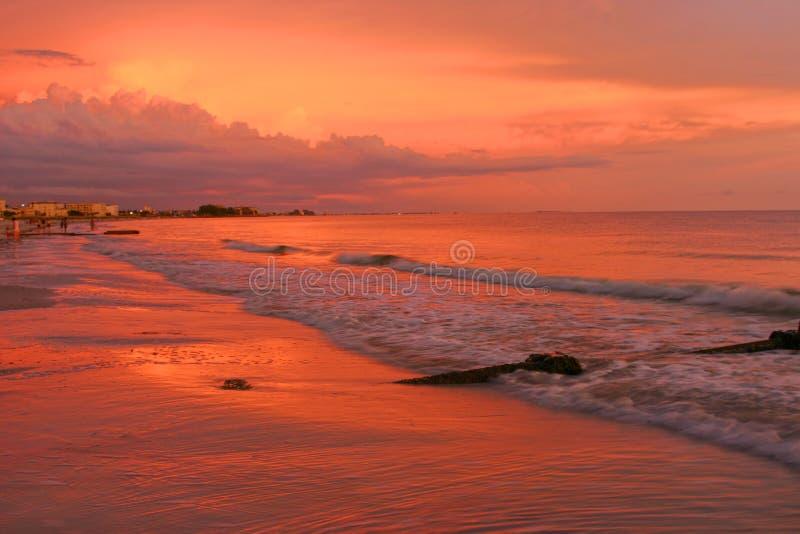 Cupola di tuono al tramonto immagini stock libere da diritti