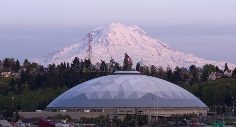 Cupola geodetica Mt Rainier City View Tacoma Washington unito immediatamente immagine stock libera da diritti