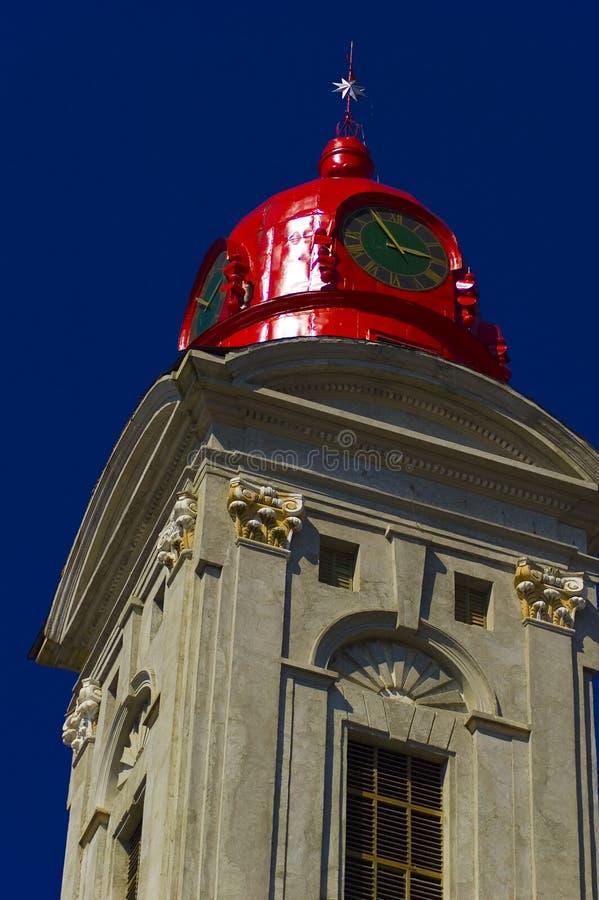 Cupola rossa storica della chiesa fotografia stock