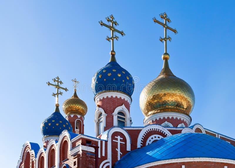 Cupolas av den ryska ortodoxa kyrkan arkivbilder