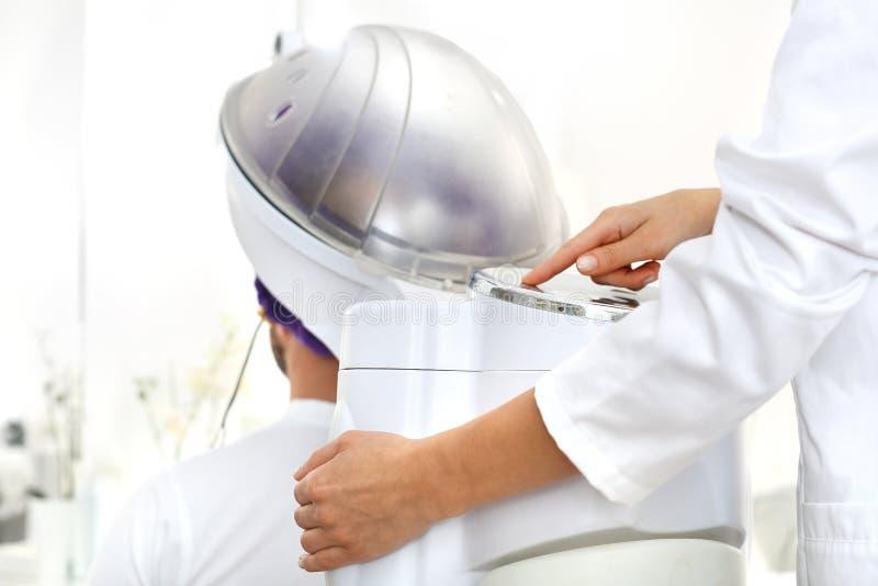 Cura di capelli Sauna per capelli immagine stock libera da diritti
