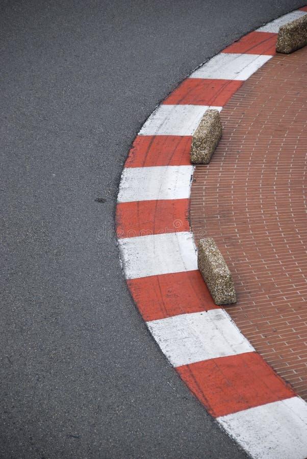Curbs på spår för formel en arkivfoto
