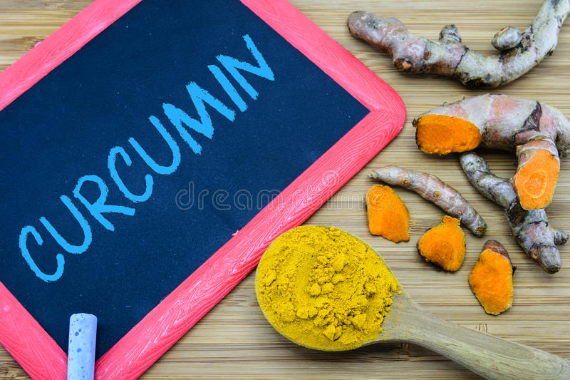 Curcumin, principecurcuminoid in kurkuma royalty-vrije stock afbeelding