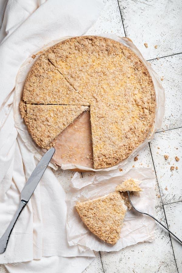 Curd tort z streysel, królewski cheesecake, Wiedeński cheesecake zdjęcia royalty free