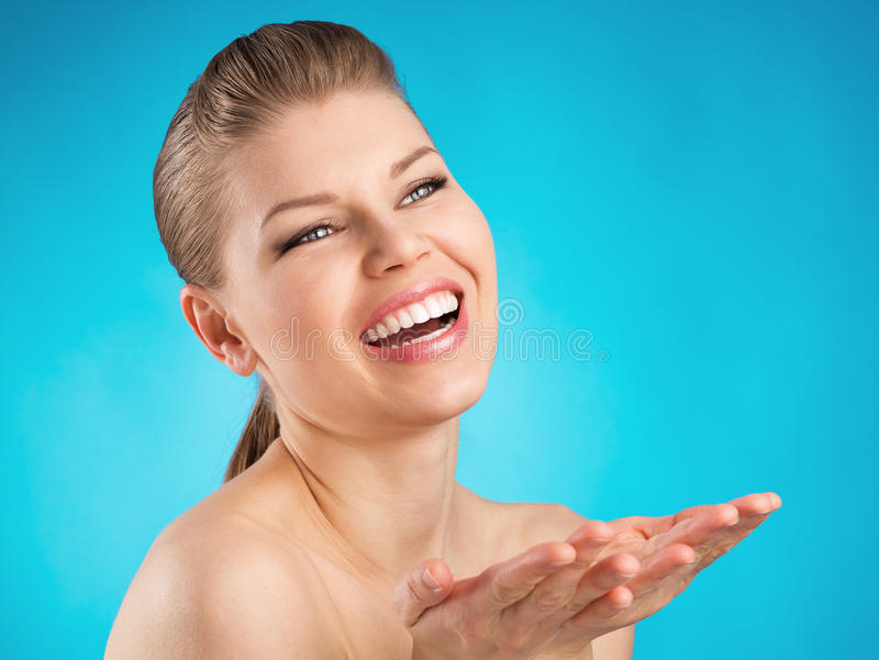 Cure odontoiatriche della donna fotografia stock