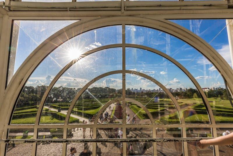 CURITIBA, PARANA/BRAZIL - 26-ОЕ ДЕКАБРЯ 2016: Ботанический сад в солнечном дне стоковые изображения