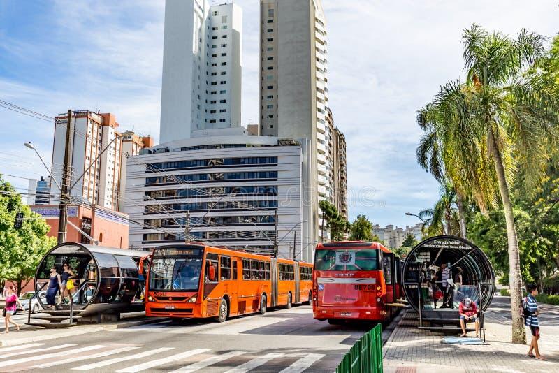CURITIBA PARANA/BRAZIL - DECEMBER 27 2016: Hållplats arkivbilder
