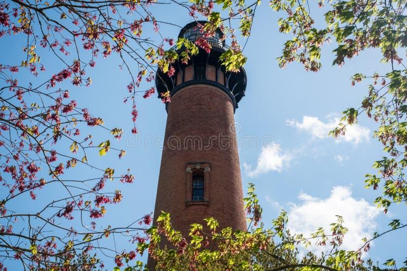 Currituck在花冠,北卡罗来纳的海滩灯塔 免版税图库摄影