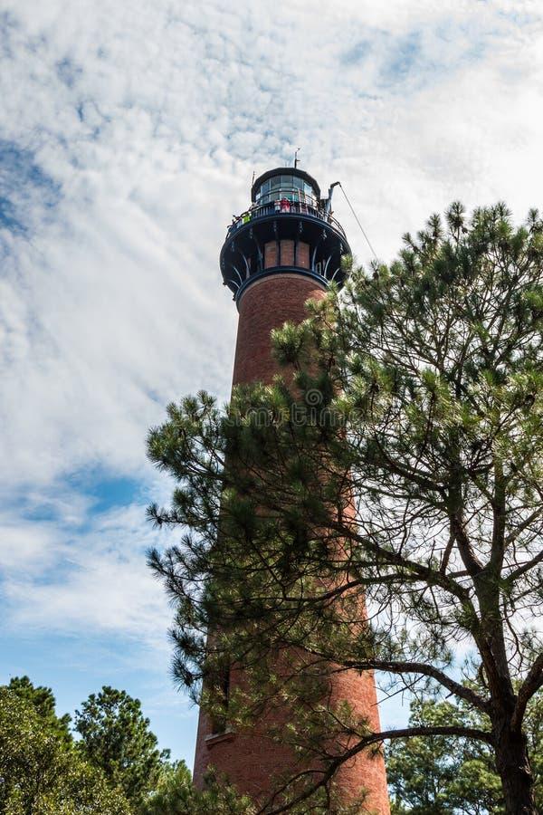 Currituck进行在花冠,北卡罗来纳的海滩灯塔整修 库存图片