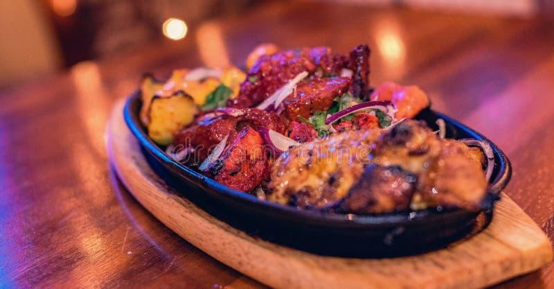 Curry autentico del pollo di subcontinente indiano fotografia stock libera da diritti