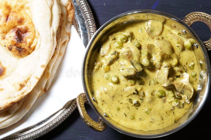 Curry cremoso dei piselli del fungo del fieno greco immagine stock