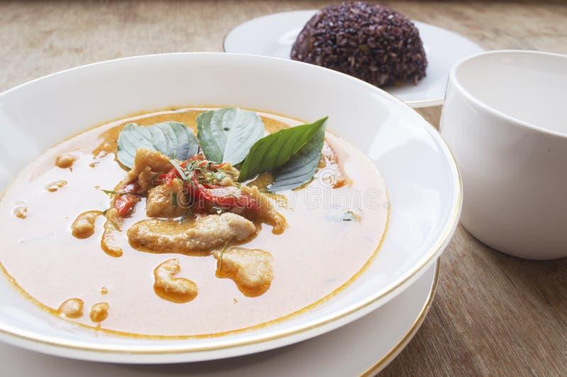 Curry de Panaeng con cerdo imagenes de archivo