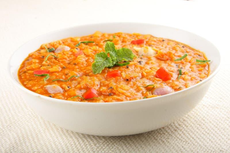 Curry di Daal - minestra di lenticchia piccante fotografia stock libera da diritti