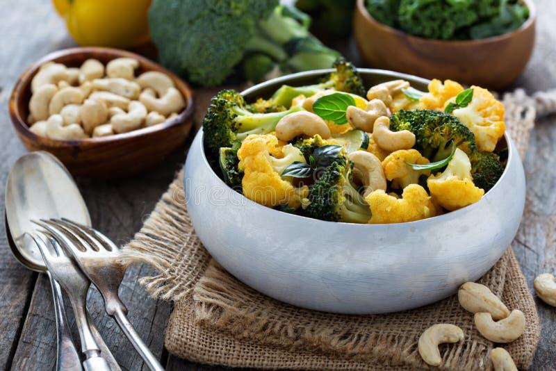 Curry di verdure con gli anacardi immagini stock libere da diritti