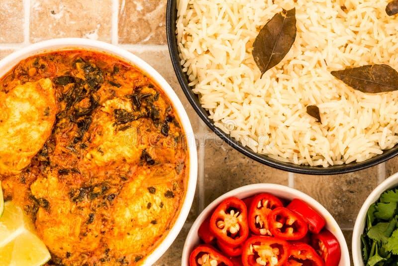Curry indio de Saag Masala del pollo del estilo foto de archivo libre de regalías
