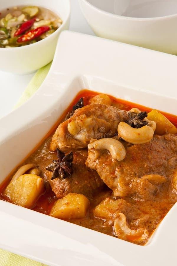 Curry massaman del pollo fotografie stock