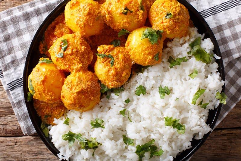 Curry piccante appena preparato della patata o wi caldi e piccanti di aloo di Dum immagine stock