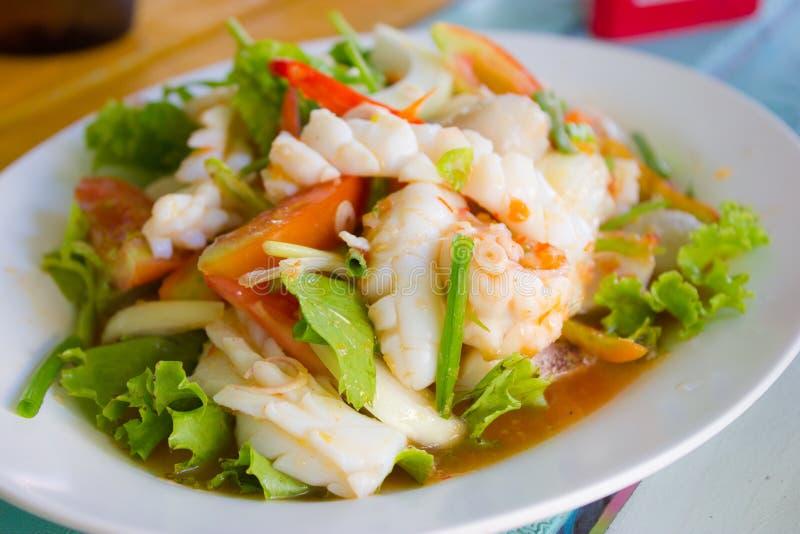 Curry piccante del calamaro dell'alimento tailandese fotografie stock