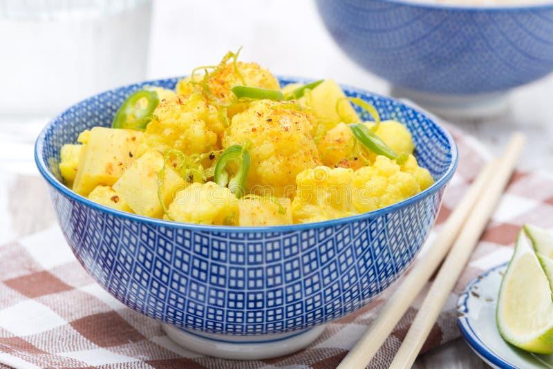 Curry vegetal con la cal y la menta, primer foto de archivo